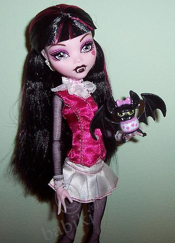  Monster High  Mattel